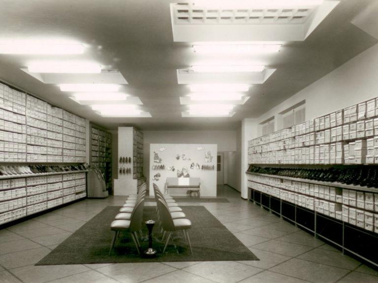 timeless design c9063 94a1d Ab den 50er Jahren verlagerte sich der Fokus auf den ...